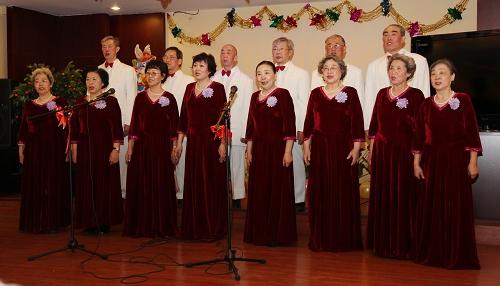男女声简谱-开开心心过新年 离退休职工处举办2011年迎新春联谊会